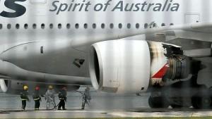885737-qantas-engine-blast