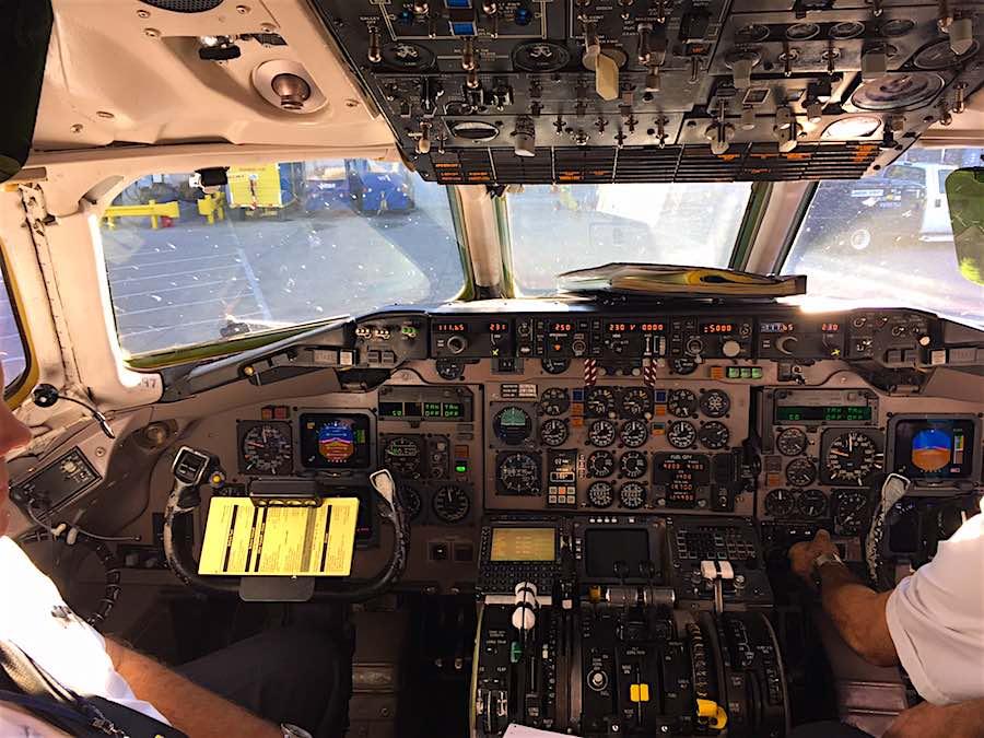 aa-md80-cockpit-raph Adventures of Cap'n Raph!