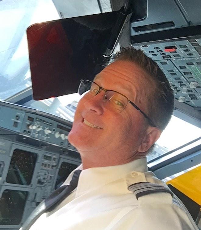 Aux Cockpit Selfie sideways